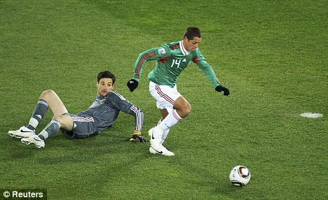 chicharito-gol-mexico-francia