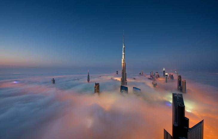 dubainiebla en las imgenes puedes ver el edificio ms alto del mundo uc